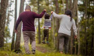 Lee más sobre el artículo Cómo educar a hijos bilingües con flexibilidad y apego
